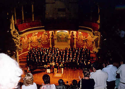 Standing ovation for the concert at the Palau de la Musica Catalan